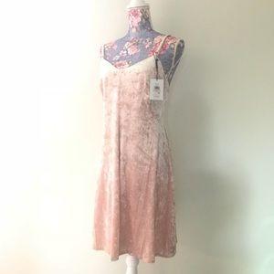 NWT Calvin Klein crush velvet blush pink dress 💕